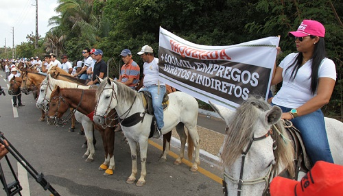 Protesto foi realizado na porta da Assembleia Lesgislativa nesta terça-feira (Foto: Biné Morais / O ESTADO)