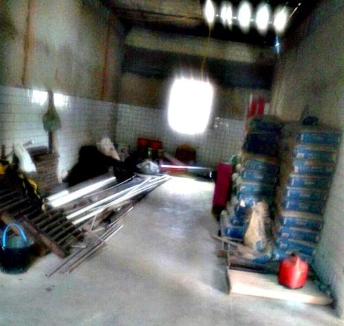 Material encostado (Foto: José Barreto)