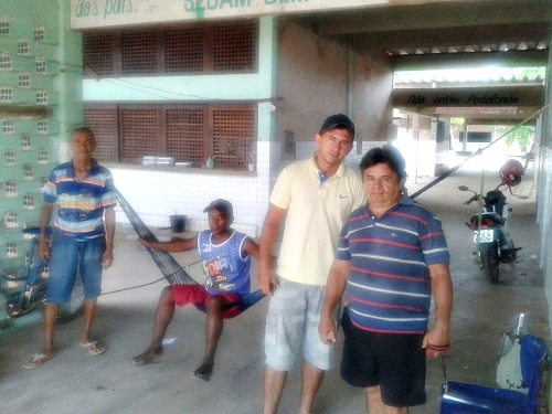 Operários sem receber salários há 03 meses (Foto: José Barreto)