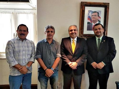 Raimundo Louro (Empresário), Jaílson Fausto (Prefeito de Lima Campos), Marcelo Tavares (Chefe da Casa Civil/MA) e Vinícius Louro (Dep. Estadual) Foto: ASCOM