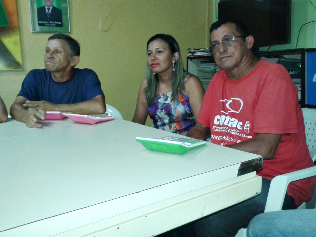 Antônio Barreto (comerciário), Alessandra (Presidente do sindicado do empregados no comércio) e José Barreto (vice-presidente do sindicato dos empregados no comércio de Pedreiras)