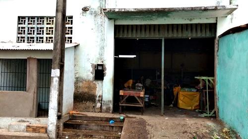 Mercado das hortaliças às escuras/Foto: vendedor