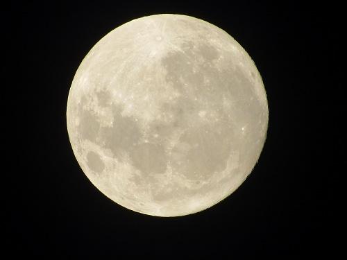 Super Lua. Foto tirada por Sandro Vagner - No quintal do blogueiro