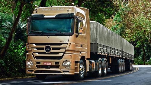 Foto: Caminhão Mercedes-Bens