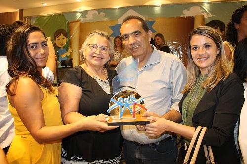 Ana Mathias (Sec. de Assistência Social), Dalva Queiroz (Vice-presidente do CMDCA), Prefeito Totonho Chicote e Jossilane Lacerda (Pre. do CMDCA)/Foto: Valtervi Passos