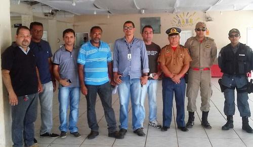 Integrantes da comissão que visitou clubes e outros locais/Foto: Comissão organizadora