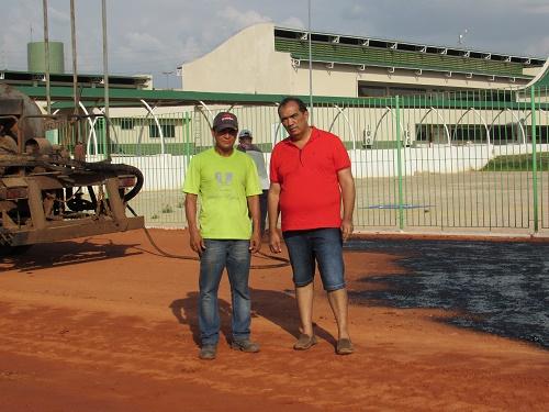 Jean (Secretário de Infraestrutura) e Totonho Chicote (Prefeito de Pedreiras)/Foto: Sandro Vagner